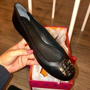 NWT- never worn- Laura Ballet flat retail for $225